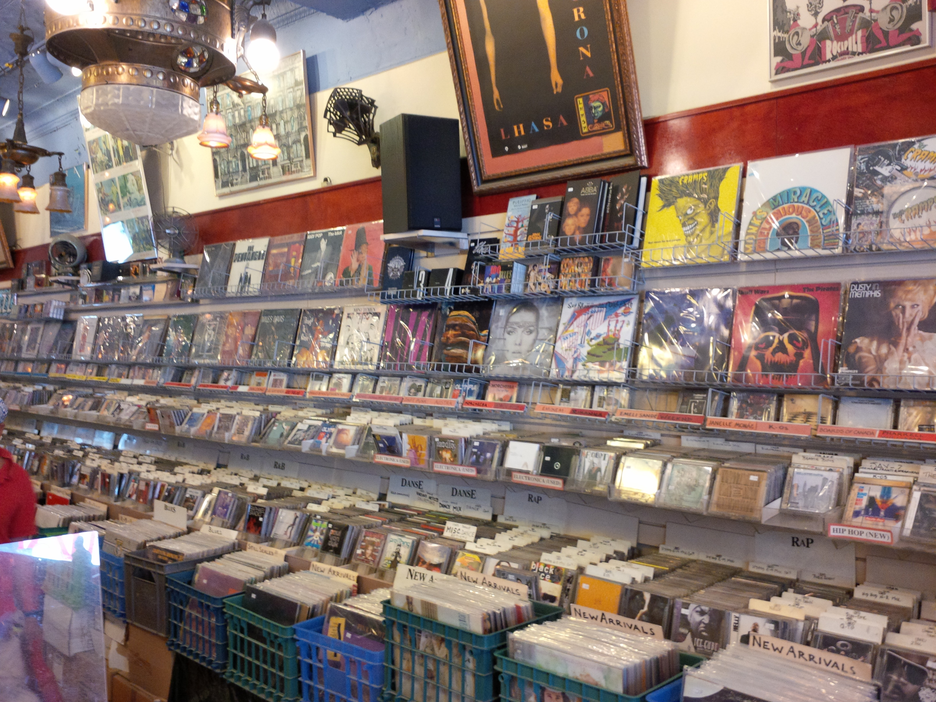 toronto record store vinyl cds dvds antiques mike 39 s music store. Black Bedroom Furniture Sets. Home Design Ideas