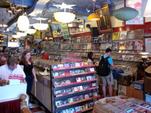 mikes-music-store-toronto-cds-vinyl-dvds-records-inside-3
